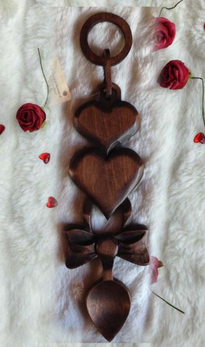 welsh loves Spoon heart and ribbon